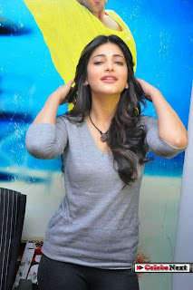 Actress Shruthi Han  Picture Gallery at Yevadu Movie Press Meet  0055