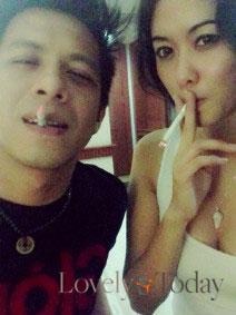 Foto hot Ariel dengan Devi Liu