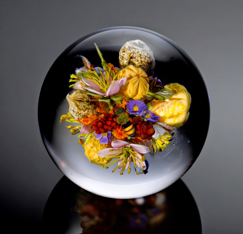 10-Bouquet-Cluster-with-Insect-Paul-J-Stankard-Nature-in-a-Sculptured-Glass-Orb
