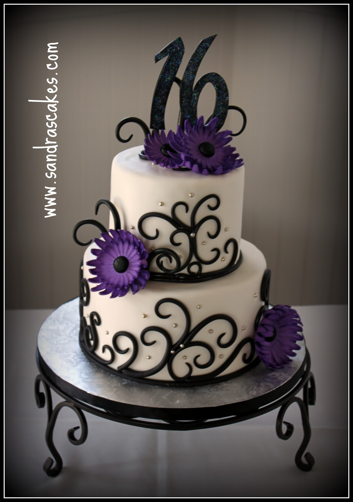 Cake Designs For Sweet Sixteen : Creative Sweet 16 Birthday Cakes Foto Artis - Candydoll