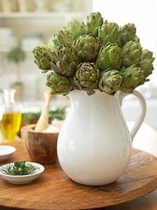 This veggie vase is a bright, stunning piece