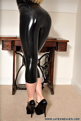 Perfect Latex Ass in Latex and Heels Ami Hannah