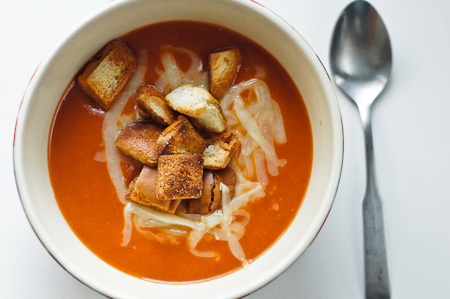 Smokey Tomato Bisque Soup | thumb in plum