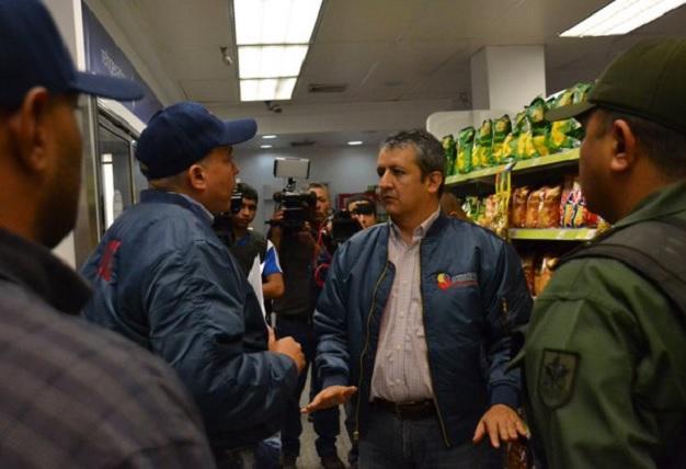 Contreras: supermercados buscan mantener las colas Por: Ciudad Caracas