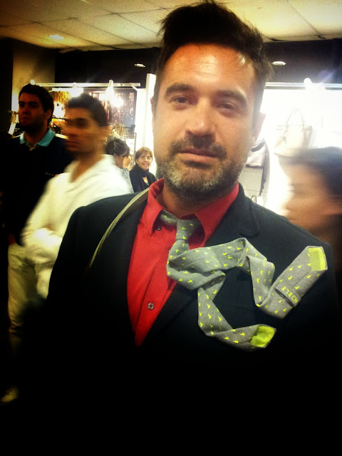 edu navarro-tie-fashion-noble