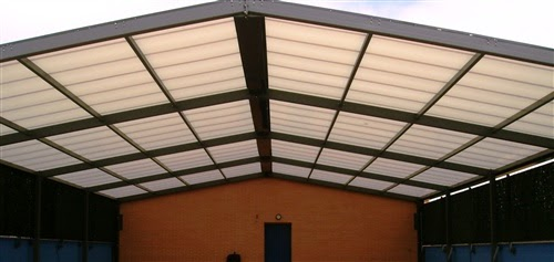 Techo fijo multiuso para colegio cerramientos y for Techo piscina cubierta