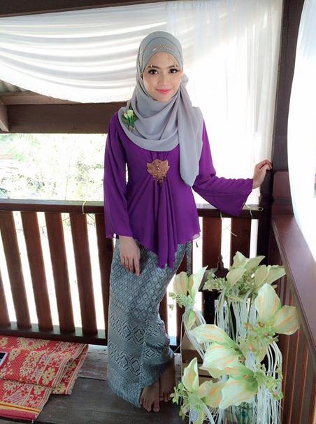 http://www.liataja.com/2015/09/radiah-pramugari-cantik-saudi-arabian-Asal-Malaysia.html