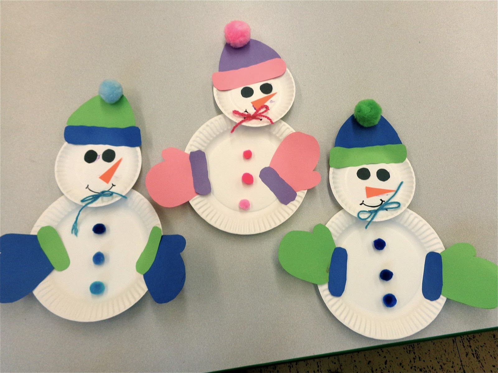 We also made snowmen out of white paper plates. I have two different ones that I have done over the years with my twou0027s. I think both are super cool! & Terrific Preschool Years: Winter Wonderland