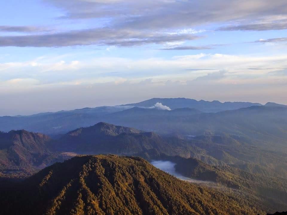 Gunung Kepolo Dari Puncak Mahameru