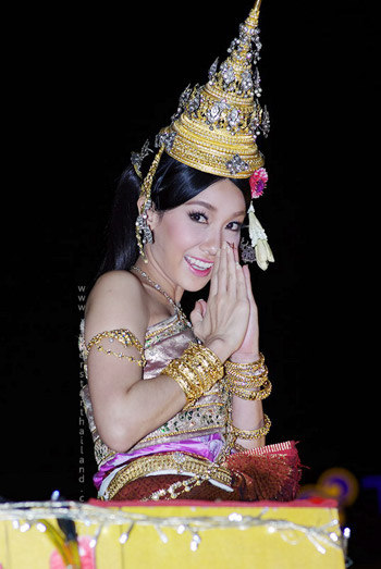 Thai Traditional Fashion✪Nun Woranut
