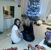 Zayn's and Perrie's mum!