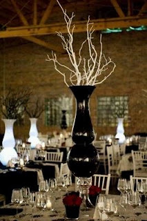 Centerpieces and Flower Arrangements in Black and White