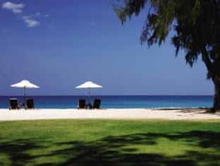 Dusit Thani Laguna Hotel Phuket, Beach
