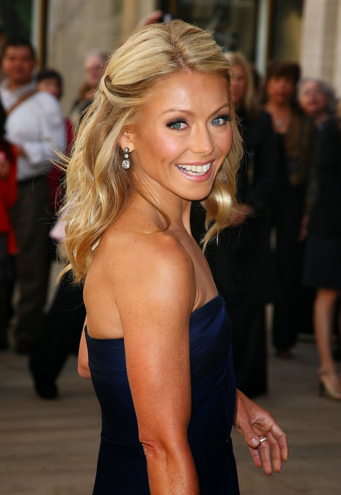 Kelly Ripa Sexy Pics Kelly Ripa Hot Photos Kelly Ripa Images Kelly