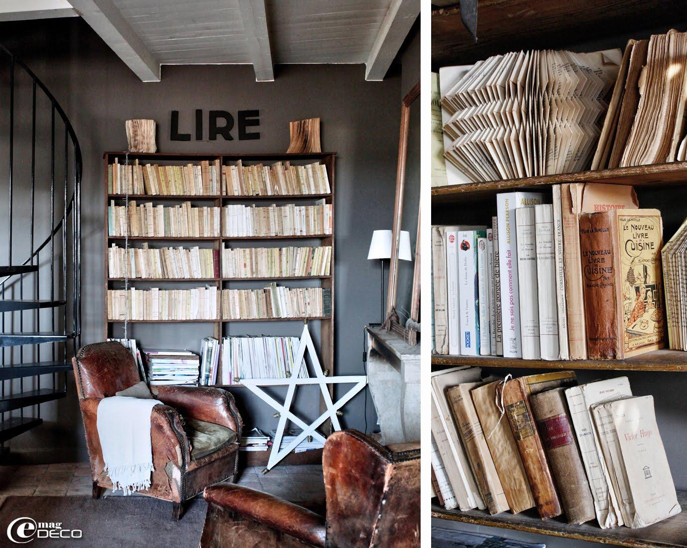 Fauteuil Club anciens, étoile blanche de manège en bois chinée à l'Isle-sur-la-Sorgue, collection de livres de cuisine anciens et des livres pliés