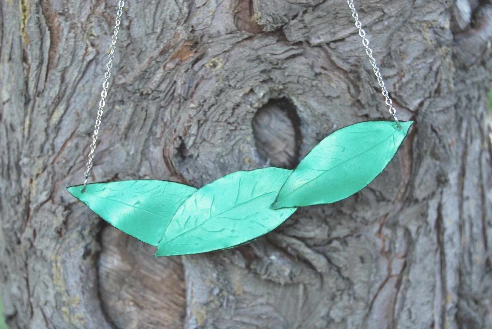Babero hojas arcilla polimeric