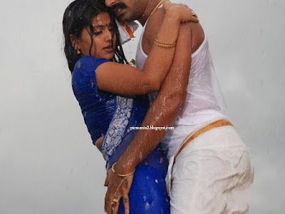 Sneha sensual song sequence in wet saree with Simbu in Tamil movie Silambattam