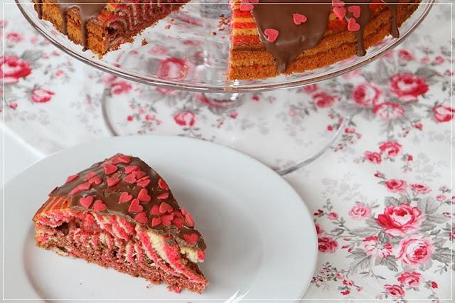 Mein Leben und das Backen...: Zebrakuchen in Rot...