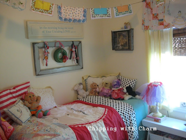 Chipping with Charm:  Sweet Girl-y Room, Before...http://www.chippingwithcharm.blogspot.com/