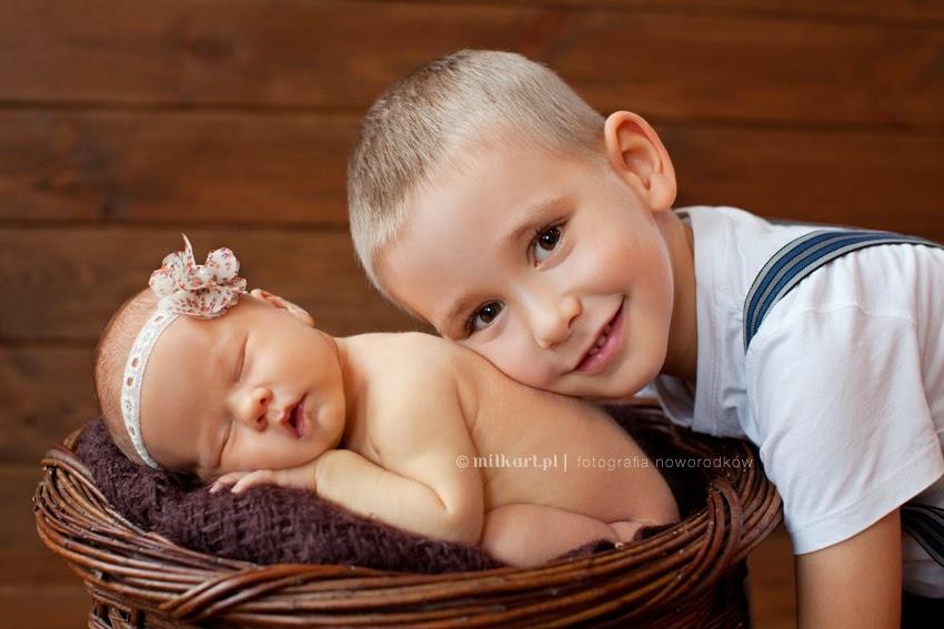 Fotografia noworodków, zdjęcia noworodkowe, sesje zdjęciowe niemowląt, studio fotografii dziecięcej, artystyczne  zdjęcia dzieci