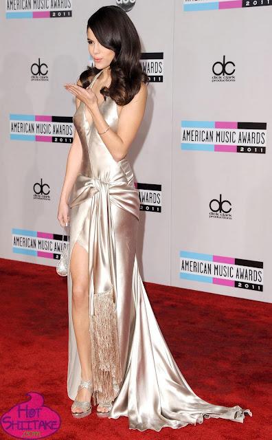 Selena Gomez AMA 2011