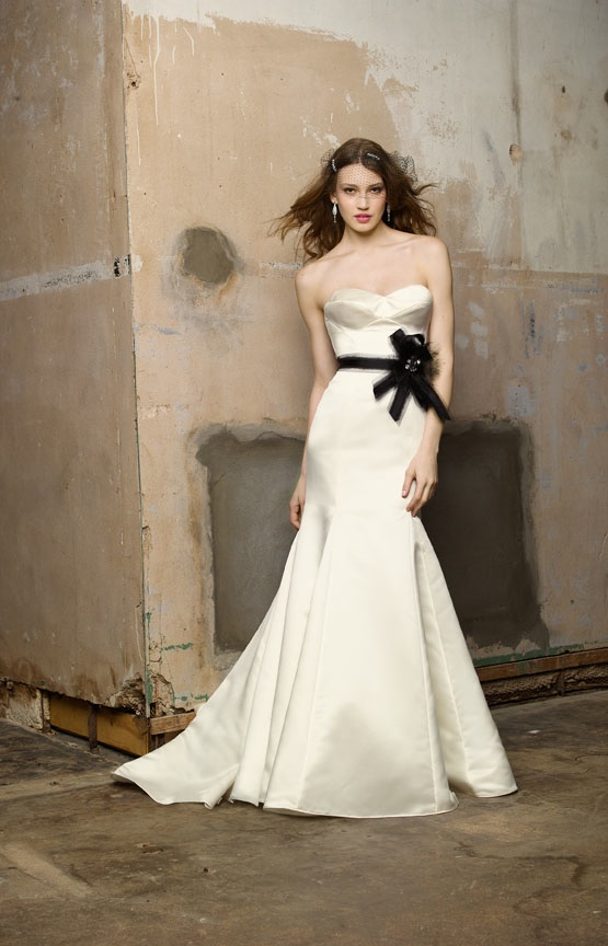Wedding Dresses With Color Sashes 33