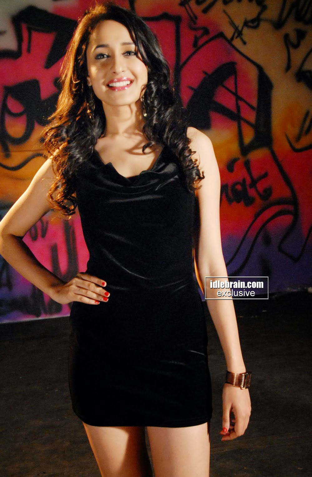 Telugu Actress Pragya in Black Skirt Photo Gallery