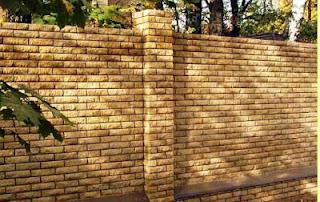 Кирпичный забор. Фото 18
