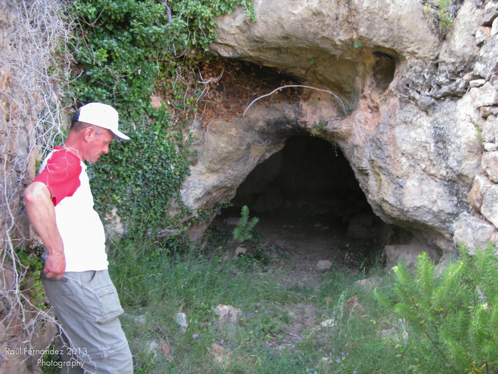 Entrada de la Cueva del Cubico