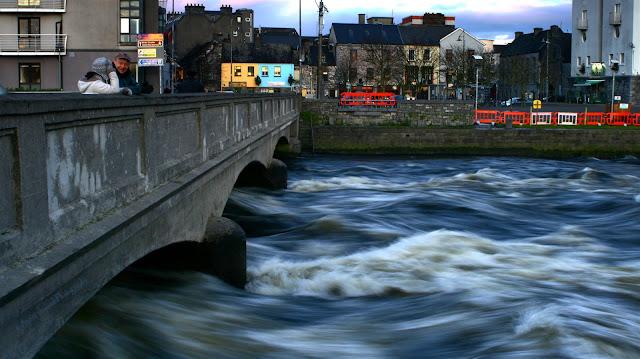 Wolfe Tone bridge, Galway