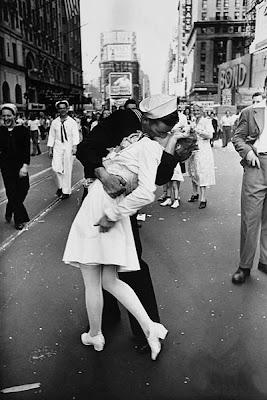 VJ-Day Kiss