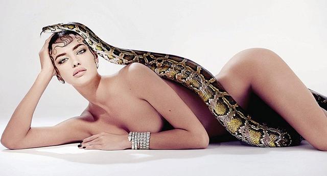 Irina Shyak desnuda para Sorbet Magazine