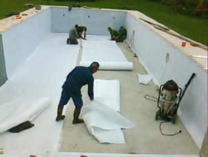 Geotextile bache et feutre en geotextiles et geomembrane for Pose feutre piscine