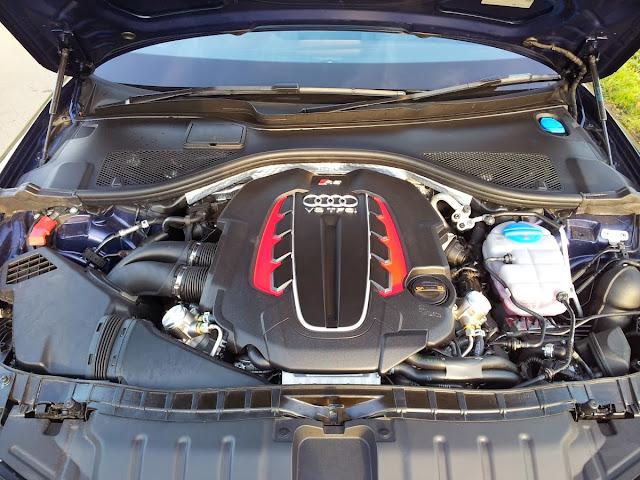 2013 Audi RS6 Avant engine