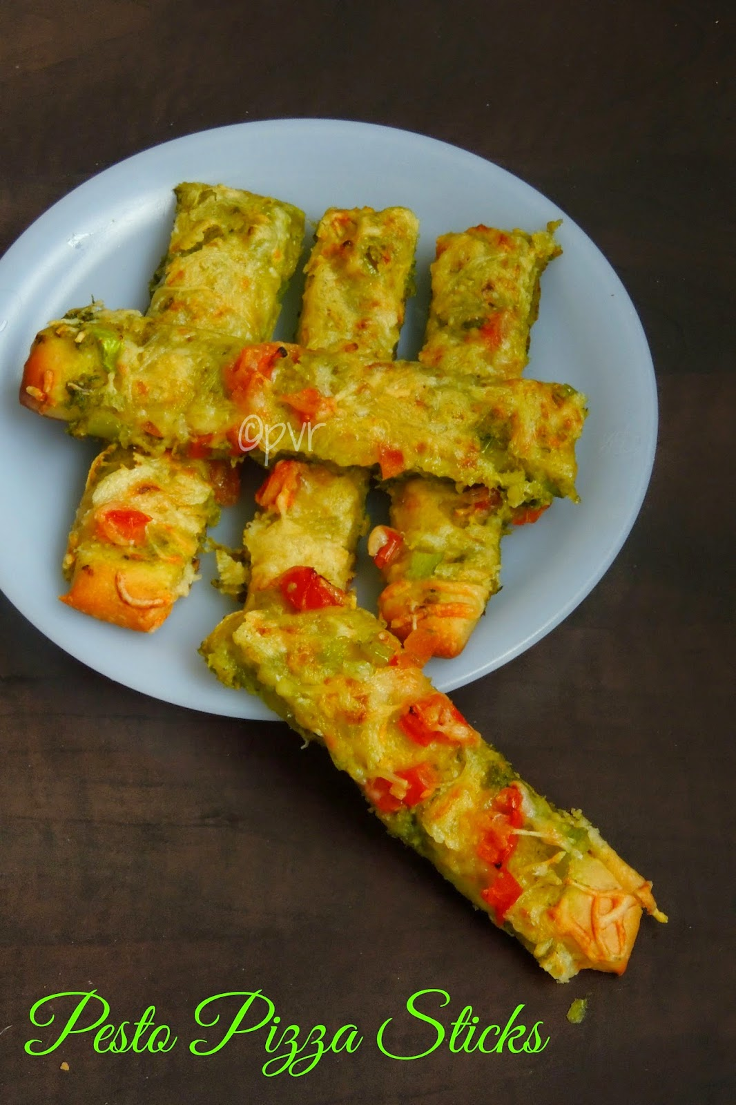 Coriander Almond pesto pizza sticks,pesto pizza sticks