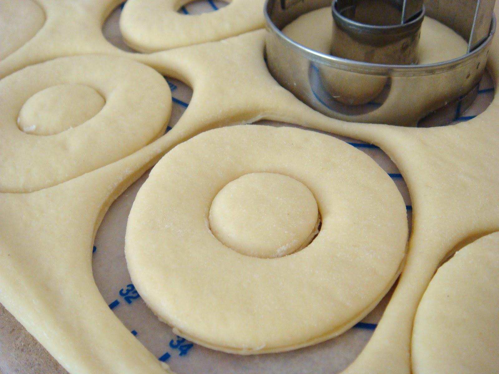 http://3.bp.blogspot.com/-ktuttptYN9U/T8YYFmlN6CI/AAAAAAAADJk/1-Rw2CBisZ0/s1600/fresh-strawberry-glaze-doughnuts-29.jpg