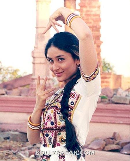 Kareena kapoor in refugee - (7) - Village Girls of bollywood