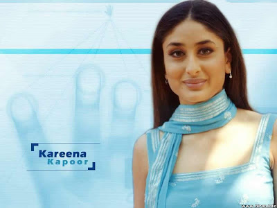 Simple+Picture+of+Bollywood+Gorgeous+Actress+Kareena+Kapoor+in+Sky+Salwar+Suite