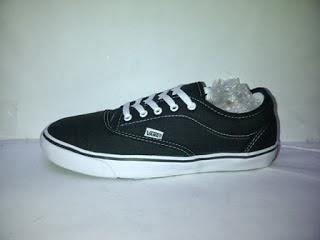 Sepatu Vans Authentic Avera murah
