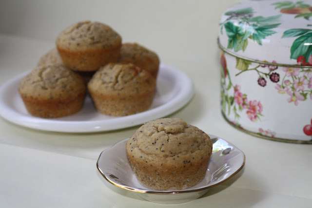 mens sana - muffins di orzo e riso ai semi di papavero e limone (senza burro, senza latte e senza uova)