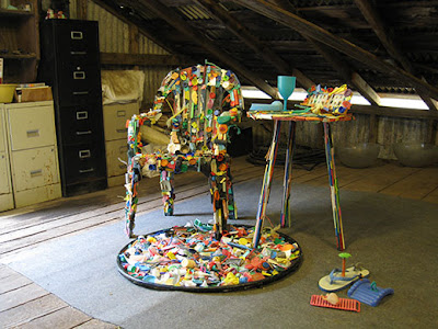 beach plastic furniture 2 - Beach Plastic Turned Art : Saving Our Oceans