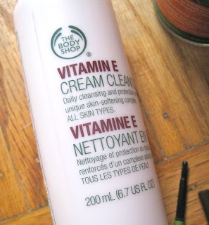 the body shop vitamin e cleanser review