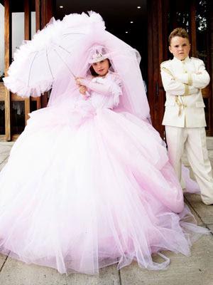 http://3.bp.blogspot.com/-kv-szM0HrHw/T5lQTQnRtiI/AAAAAAAABnc/Uhz78WK_0jw/s400/Child-Gypsy-Wedding-Dress.jpg
