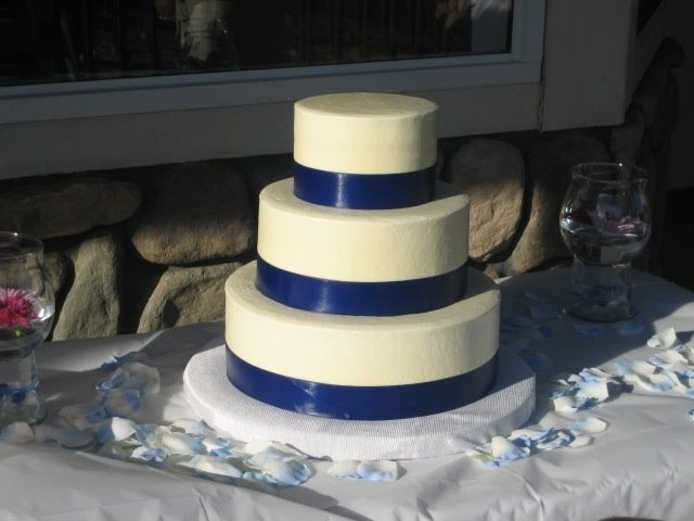 Cake Decorating Ideas For Wedding Simple : Simple Wedding Cakes: Simple Wedding Cakes Ideas