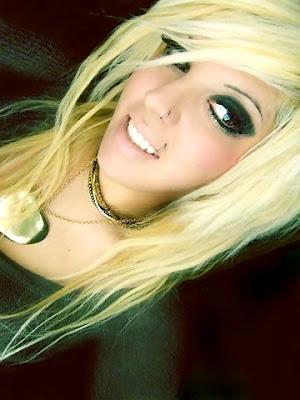 Long Blonde Hairstyles