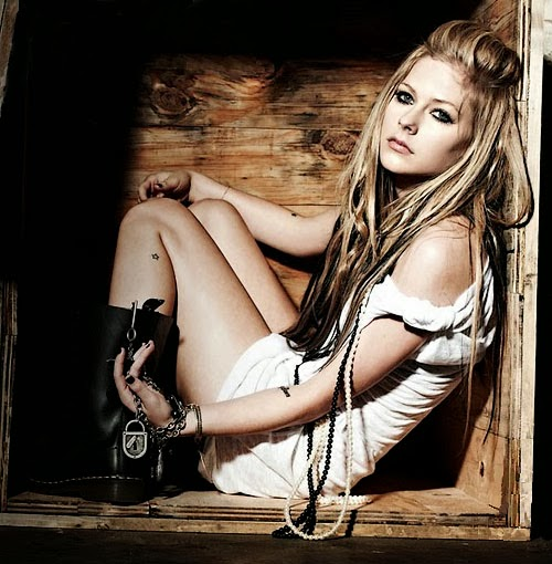 Avril Lavigne - Sippin' On Sunshine