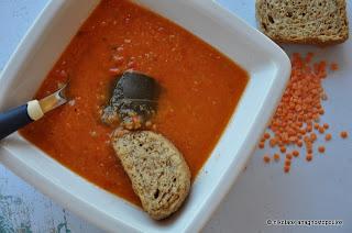 Η απόλυτη καλοκαιρινή βελουτέ σούπα με κόκκινες φακές-Summery creamy red lentil soup