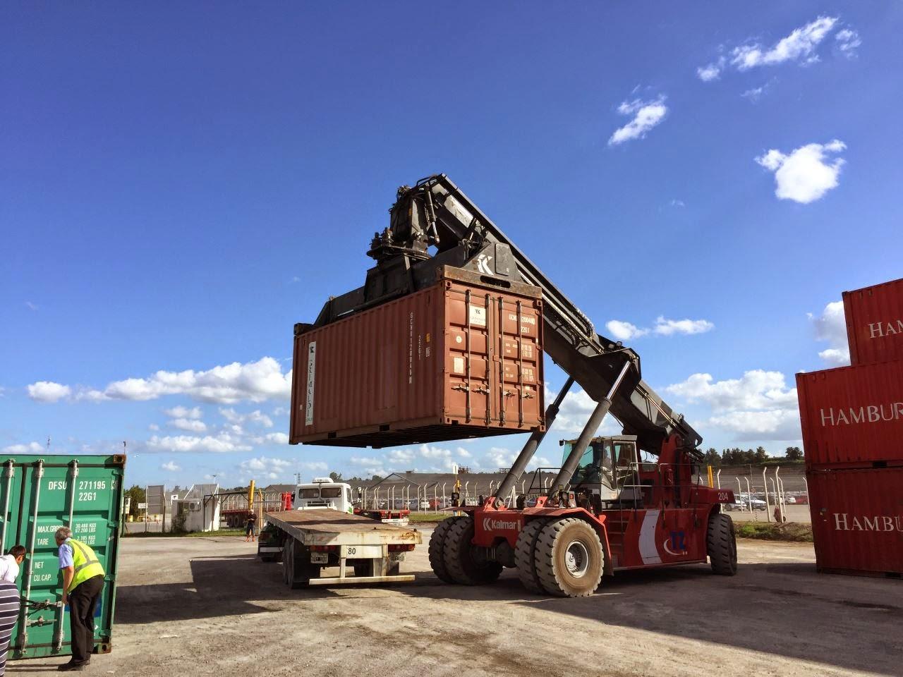 Die Fahrzeug Verschiffung nach Südamerika, Argentinien, Zarate (Container, Roro, Schiffsreise)