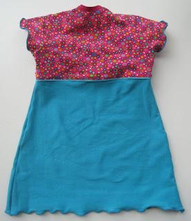 Achterkant van de jurk patroon Roos 5011