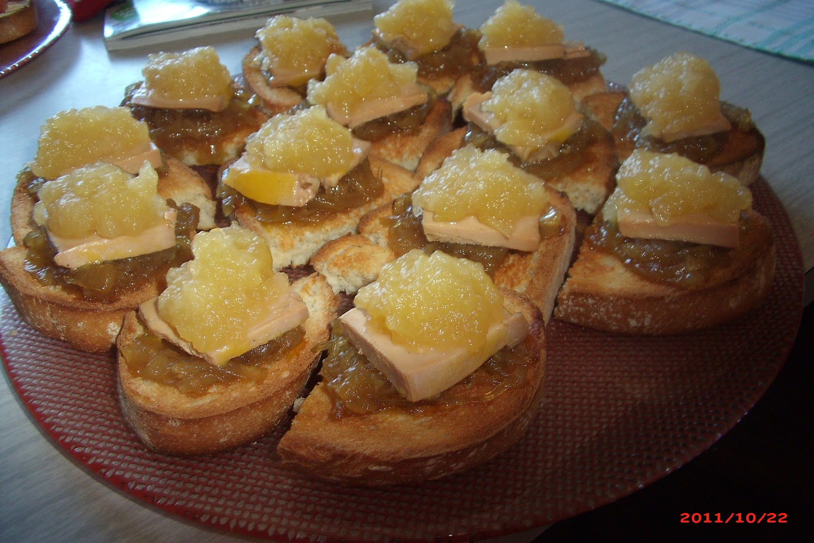 La cocina de la rubi tosta de pat con manzana y cebolla for Canape de pate con cebolla caramelizada